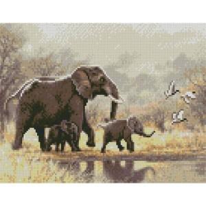 Алмазная картина HX321 Семья слонов размером 30х40 см